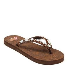 For those of you who love earthy colors, the Brown bling Justin flip flop in sizes 6-10 also. And price is only $29 on this too!