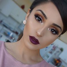 Fall makeup look purple lips rose gold eye shadow eyes. Omg obsessed with this fall makeup tutorial! Love the orange eyeshadows and dark plum lip Rose Gold Makeup Looks, Fall Makeup Looks, Gorgeous Makeup, Love Makeup, Makeup Style, Purple Lipstick Makeup, Gold Lipstick, Drugstore Lipstick, Liquid Lipstick