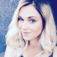 New post on aheartfulloflexa Eliza Taylor Hot, Eliza Jane Taylor Cotter, The 100 Cast, It Cast, The 100 Clexa, Bob Morley, Alycia Debnam Carey, Bellarke, Emma Roberts