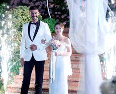 """"""" İlişki durumu: Karışık """" ta düğün var. #ilişkidurumukarışık #iliskidurumukarisik"""