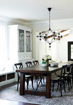An Exclusive House Tour From (Design Girl Crush) Leanne Ford (Emily Henderson) Dining Room Paint Colors, Dining Room Walls, Dining Room Design, Dining Area, Dining Table, Interior Styling, Interior Decorating, Interior Design, Decorating Ideas