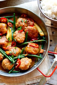 Thai Chicken Meatball Curry wants to be part of a Thai-themed dinner party, along with spring rolls.