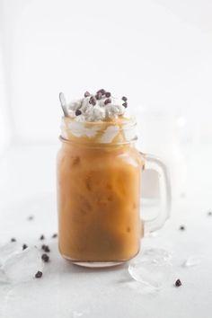 Homemade Iced Coffee, Best Iced Coffee, Coconut Whipped Cream, Coconut Milk, Chocolate Flavors, Chocolate Chips, Hot Chocolate, Broccoli Nutrition, Iced Mocha