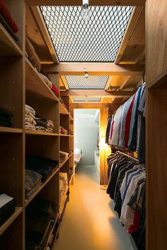 Shed Interior, Room Interior, Interior Design, Wardrobe Room, Room Closet, Home Room Design, House Design, Shack House, Japanese Modern House