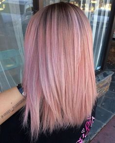 Red or Pink Hair Color Tones-mittellange frisuren, halblange glatte rosa haare, haarschnitt Pastel Pink Hair, Light Pink Hair, Dyed Hair Pink, Dark Hair, Rose Pink Hair, Dusty Rose Hair, Pink Blonde Hair, Pink Ombre Hair, Dye My Hair