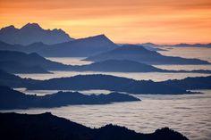 La mer de brouillard en Suisse central vue depuis la Rigi