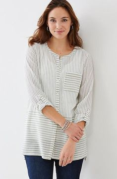 striped button-front cotton tunic style Button-front tunic with vertical stripes above the waist and horizontal stripes below and on the front poc Look Urban Chic, Cotton Tunics, Casual Tops, Dress Patterns, Blouse Designs, Beautiful Outfits, Tunic Tops, Tunic Blouse, Fashion Outfits