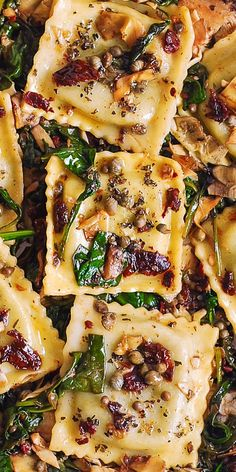 Italian Ravioli with Spinach Artichokes Capers Sun-Dried Tomatoes. The vegetables are sautéed in olive oil. Meatless refreshing Mediterranean style pasta recipe that doesnt need any meat this meal will keep you full! Vegetarian Recipes, Cooking Recipes, Healthy Recipes, Beef Recipes, Meatless Pasta Recipes, Easy Recipes, Vegetable Pasta Recipes, Vegetarian Italian Recipes, Chicken Recipes