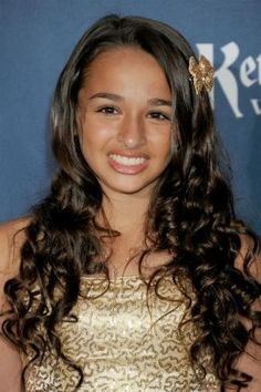Transgender teen Jazz Jennings just landed a major beauty campaign—this is WAY cool, guys.