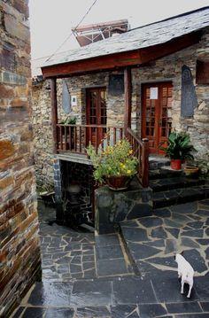 Fajão Village - Pampilhosa da Serra, Portugal Algarve, Great Places, Beautiful Places, Europe Street, Cottages And Bungalows, Desktop Background Images, Azores, Famous Places, Stone Houses