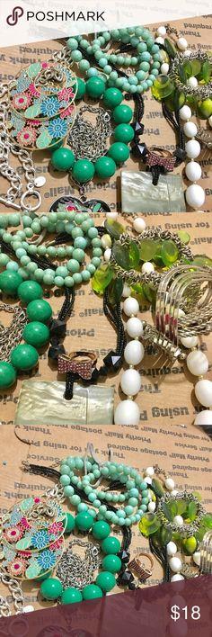 Beads jewelry flower earrings costume jewelry Costume jewelry bundle item full color beads jewelry earring necklace bracelet ... gold silver tone. All wearable (2247) ☘️ #bundle jewelry #fashion jewelry #Random charm for jewelry make #beads jewelry# #vintage jewelry #rhinestone jewelry #crystal jewelry #gold jewelry #silver jewelry #jewelry sets #accessories #all wearable  ☘️ $18 Jewelry Earrings
