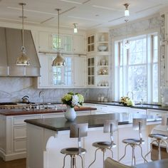 Country Kitchens,Relaxing Contemporary Traditional Kitchen Design With Graceful Cool White And Grey Color Scheme, Dazzling Furniture,Outstanding Modern Country Kitchen Design Inspiration Stained Kitchen Cabinets, White Kitchen Cabinets, Cream Cabinets, Upper Cabinets, Kitchen White, Tall Cabinets, Corner Cabinets, Neutral Kitchen, Ivory Kitchen