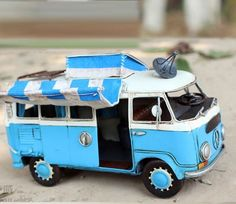 Miniature Retro Style Blue Volkswagen Trailer Car by SimpleSmart Bus Camper, Volkswagen Bus, Campers, Micro Photography, Miniature Photography, Busse, Cute Little Things, Diecast Model Cars, Car Travel