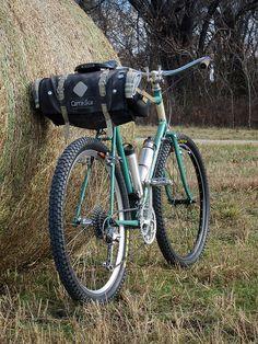 Old school bikepacking, and geezer MTB | por Pondero