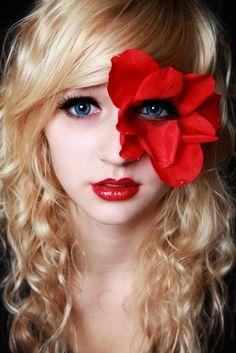 trendy makeup red dress make up lashes Halloween Make Up, Halloween Face Makeup, Flower Costume, Glamorous Makeup, Raves, Costume Makeup, Dress Makeup, Eye Art, Fantasy Makeup