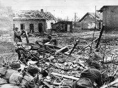 Soviet troops in Stalingrad ruins awaiting a German attack, southern Russia, 1942