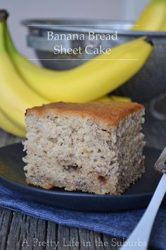 Banana Bread Sheet Cake {A Pretty Life} // So moist and delicious! And super easy - no messing around with muffin tins or loaf pans!
