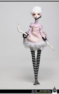 Doll Chateau - Queena Doll