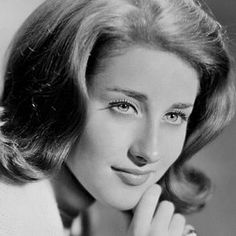 'It's My Party' singer-songwriter Lesley Gore dies at 68. Born: May 2, 1946 (age 68), New York City, New York, United States. Died: February 16th 2015. Cancer