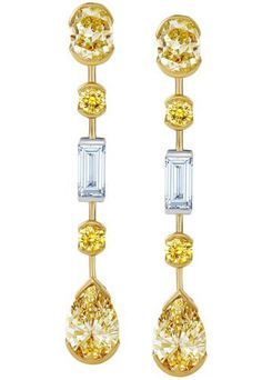 white and yellow gold earrings with yellow fancy shaped diamonds - DE BEERS Diamond Jewelry, Diamond Earrings, Mellow Yellow, High Jewelry, Diamond Are A Girls Best Friend, Beaded Earrings, Chandelier Earrings, Colored Diamonds, Jewelry Collection