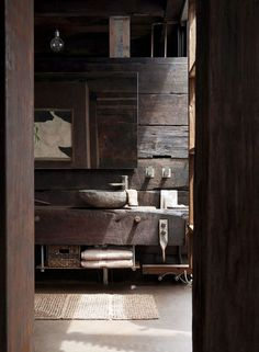 Wabi Sabi and Design. Andrew Juniper attempts to explain the unexplainable, and guides us towards an understanding of Wabi Sabi design. Rustic Bathroom Designs, Rustic Bathrooms, Bathroom Interior Design, Industrial Bathroom, Diy Interior, Industrial Furniture, Rustic Furniture, Modern Interior, Raw Furniture
