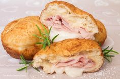 Bomboloni do patate No Salt Recipes, Cooking Recipes, Aperitivos Finger Food, I Love Food, Good Food, Cream Cheese Chicken, How To Cook Ham, Empanadas, I Foods