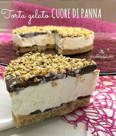 La torta gelato cuore di panna è una torta fredda incredibilmente buona e facile da fare. Lo so, a prima vista sembra sicuramente una torta lunga ma...