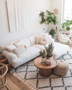 White Couch Living Room, Living Room Sectional, Modern Sectional, Boho Living Room, Living Room Decor, White Sectional Sofa, White Couches, White Couch Decor, Sectional Couches