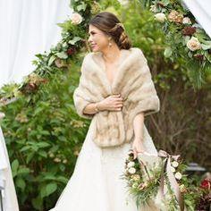Winter Wedding Fur, Winter Wedding Bridesmaids, Wedding Coat, Elegant Winter Wedding, Winter Bride, Winter Wonderland Wedding, Winter Weddings, Vintage Fur, Vintage Bridal