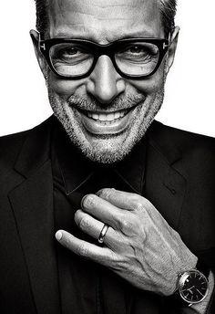 Randall Slavin is a portrait photographer living in New York and Los Angeles Portrait Photography Men, Portrait Photographers, Headshot Poses, Portrait Studio, Corporate Portrait, Men Photoshoot, Famous Black, Foto Art, Black And White Portraits