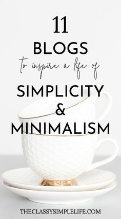Need some decluttering inspiration to get your minimalist lifestyle going? These TED Talks about minimalism will make you want to declutter and simplify now Slow Living, Living At Home, Mindful Living, Living Rooms, Minimalist Lifestyle, Minimalist Home, Minimalist Fashion, Minimalist Christmas, Minimalist Wardrobe