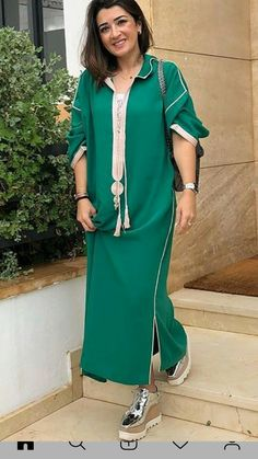 Moroccan Djellaba woman for summer Moroccan Caftans Abaya Fashion, Fashion Outfits, Womens Fashion, Morrocan Kaftan, Morrocan Fashion, Caftan Gallery, Arabic Dress, Caftan Dress, Couture