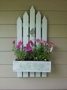 Pallet Projects Idea Box by Sheila another re purposed on purpose project carpentry woodworking diy gardening pallet projects repurposing upcycling The post Pallet Projects Idea Box by Sheila appeared first on Woodworking Diy. Pallet Crafts, Diy Pallet Projects, Garden Projects, Pallet Ideas, Diy Crafts, Pallet Diy Easy, Craft Projects, Wood Crafts, Garden Ideas