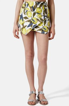 Free shipping and returns on Topshop Lemon Print Pointed Hem Skort (Regular & Petite) at Nordstrom.com. A pointed front hemline modernizes a faux-wrap skort with chic, clean lines while cheery lemons make a bright and punchy print.