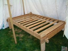 Slat Bed that I would LOVE for my husband to make.... two of them!!