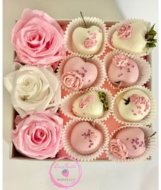 Chocolate Roses, Chocolate Shop, Belgian Chocolate, Chocolate Covered Strawberries, Dessert Boxes, Party Sweets, Organic Fruit, Delicious Chocolate, Sweet Desserts