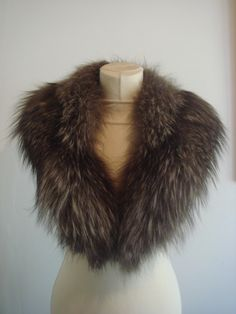 Great Neck/scarf fox silver fox fur collar by RosecestParisvintage