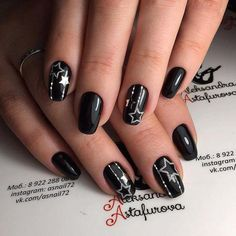 Incredible Black Nail Art Designs for Women and Girls - Rose idea - The best ideas for fashion whiteglitternails Black Gel Nails, Black Nails With Glitter, Black Nail Art, Glitter Nails, Nail Pink, Silver Nail, New Year's Nails, Diy Nails, Cute Nails