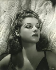 Ann Sheridan by George Hurrell, publicity portrait for Angels with Dirty Faces, Hollywood Vintage, Old Hollywood Stars, Hollywood Icons, Old Hollywood Glamour, Golden Age Of Hollywood, Vintage Glamour, Hollywood Actresses, Classic Hollywood, Actors & Actresses