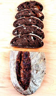 pane al cioccolato - chocolate and chestnut lucky bread per Tatta Sourdough Bun Recipe, Sourdough Bread, Bread Bun, Bread Rolls, Cooking Bread, Bread Baking, Fresh Bread, Sweet Bread, Chestnut Recipes