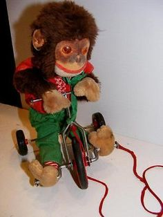 RARE-1940s-MOHAIR-MONKEY-on-Metal-tin-TRICYCLE-Bicycle-PULL-TOY-that-MOVES