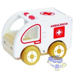Ambulância, Ambulância Newart do Brasil, Ambulância de Madeira, Ambulância de Madeira Newart do Brasil, Carrinho de Madeira, Carrinho Waldorf, Carro