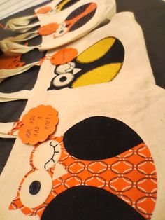 DIY canvas owl bags-Party favors if we ever have an owl party