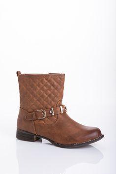 Quilted Ankle Boots with Buckle Strap  http://jessyss.com/shoes/ankle-boots/quilted-ankle-boots-with-buckle-strap.html?barva=