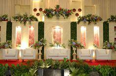 Wedding decoration minimalist – Wedding For My Life Simple Wedding Decorations, Backdrop Decorations, Simple Weddings, Backdrops, Minimalist Wedding Decor, Minimal Wedding, Minimal Decor, Modern Decor, Wedding Vendors