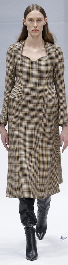Fall 2016 Ready-to-Wear Balenciaga