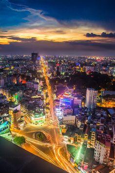 Night in Saigon - Vietnam Vietnam Voyage, Vietnam Travel, Asia Travel, Laos, Delta Du Mekong, Good Morning Vietnam, Beautiful Vietnam, Saigon Vietnam, Vietnam History