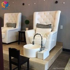 Modern pedicure chairs - Salon Inspiration Now these are some pedi chairs I could relax in!