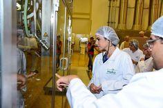 Dorra Zarrouk: أثناء زيارتي لمصنع جهينة بيور Juhayna pure   #درة  #Dorra Juhayna Pure