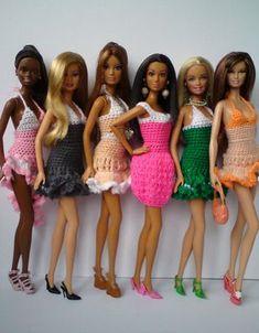 Barbie Crochet Dress Free Wedding – Crochet — Learn How to Crochet Crochet Barbie Patterns, Crochet Doll Dress, Barbie Clothes Patterns, Crochet Barbie Clothes, Doll Clothes Barbie, Doll Dress Patterns, Crochet Doll Pattern, Barbie Dress, Knitted Dolls
